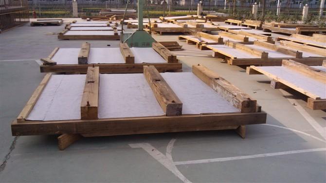 光山大型机械设备底座相关产品:光山大型包装木箱